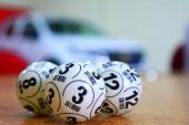 Avustralya'da bir kişi, babasının 50 yıldır oynadığı rakamlarla piyango kazandı