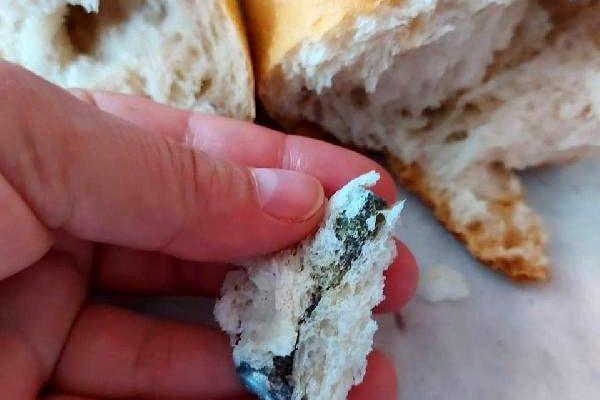 Kahvaltı yapmak için aldığı ekmekten vida çıktı